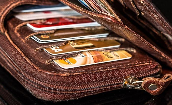 Bargeld oder elektronischeGeldbörse?